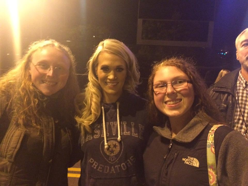 After the CMA Country Christmas taping in Nashville, we were waiting outside by the buses and Carrie was in an SUV waiting to leave and when she saw us waving to her, she had her driver let her out of the car to come take pictures with all of us.