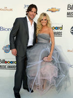 Carrie w/ Mike @ Billboard awards