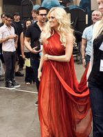 Carrie backstage @ billboard awards
