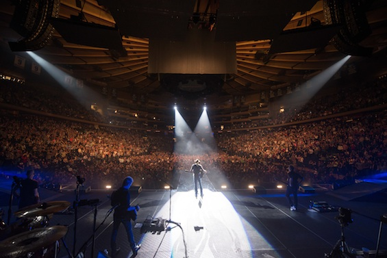 Jason Electrifies A Sold Out Madison Square Garden