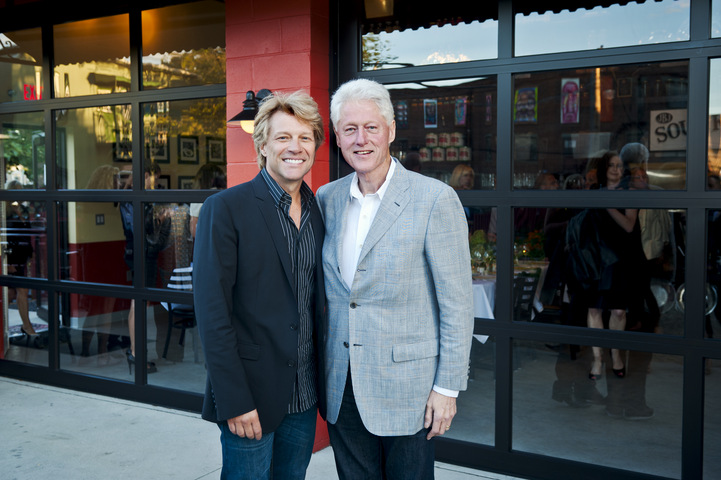 Jon Bon Jovi and President Bill Clinton at JBJ Soul Kitchen