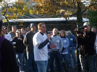 LEN FINKLE FROM SAP ADDRESSES VOLUNTEERS BEFORE THE BUILD